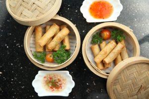 Chinesische Frühlingsrollen mit Wan-Tan-Teig